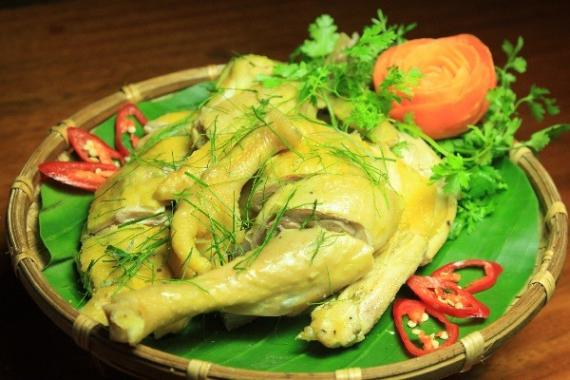Boiled chicken with lemon leaves (for 3-4 people)